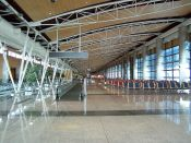 http-::commons.wikimedia.org:wiki:File-Barajas_terminal_1_interior_2008.jpg