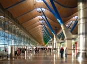 http-::commons.wikimedia.org:wiki:File-Madrid_barajas_aeropuerto_terminal_t4.jpg