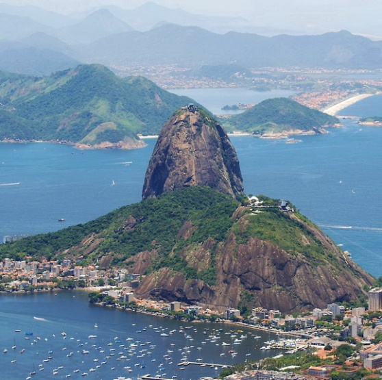 http://www.freewallpaperpic.com/viewer/wallpaper.php?/rio/1280/Sugarloaf_Mountain-ccbysa-PaulMannix