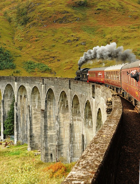 Glenfinnan Viaduct, well known for Harry Potter fans, Highlands, Scotland (by loose_grip).